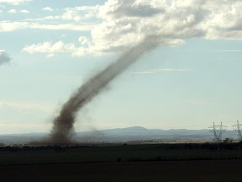 Landspout near Lara, VIC via Dave Evans (May 2007)