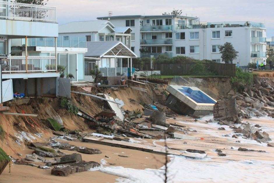 Beachside properties on the brink of collapsing after an ECL in 2016 caused mass havoc off the NSW Central Coast. Image via Peter Rae